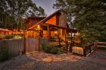 Charming cabin for a family or a romantic couples retreat