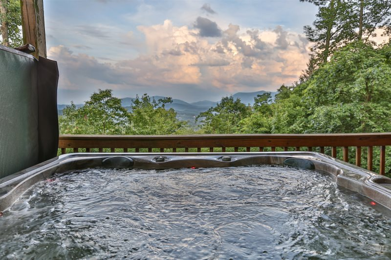 Luxury North Georgia With Custom Fire Pit With Hot Tub And Gorgeous
