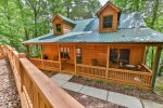 Cold Water Cove sleeps 6, located in Walnut Mountain