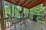Covered deck where you can listen to the Cartecay river