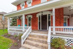 314 Pearl Street - 3 Night minimum and centrally located to downtown!!