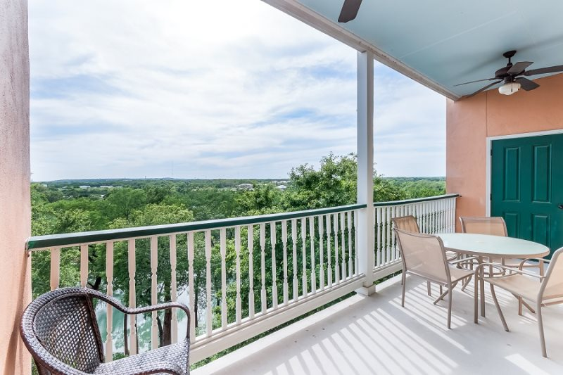 NEW! Guadalupe Waterfront Condo In Downtown In Historic Gruene! VG 203