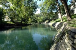 CW B115 - Comal River Camp Warnecke Condo