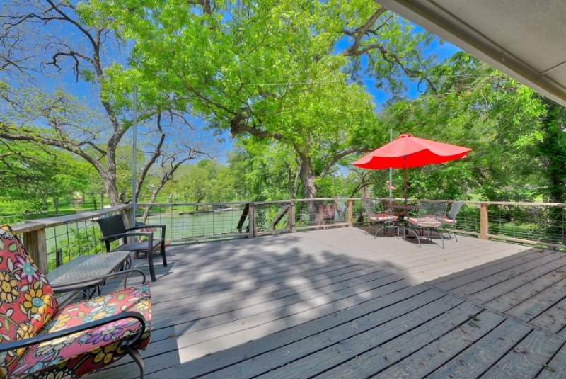 A Relaxing Vacation River Retreat - Rental Home in New Braunfels, Texas