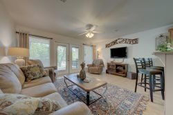 I102  - Guadalupe River Water Wheel Resort Condo-