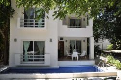 Beautiful Villa with private pool close to beach and shopping