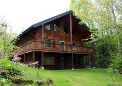 Private Log Home! Trailside For Snow Mobiles & Minutes From Ski Areas