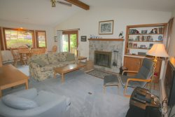 Forest Cottage Unit! Walking distance to the slopes!