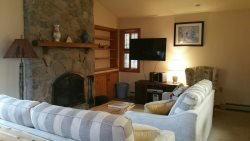 Charming Bretton Woods Condo