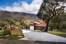 Crackenback Chalet- Crackenback Resort Accommodation - Holiday Home