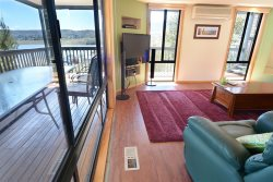 Lakehaus at Tyrolean - Jindabyne Accommodation - Holiday Townhouse