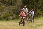 Family bike action. Hire a bike in Jindabyne