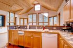 East End Retreat  - Fully equipped kitchen