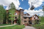 Located just steps from the ski mountain, gondola, and Mountain Village core