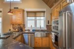 Spacious kitchen with eat-in breakfast nook