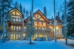 Exterior view of this incredibly luxurious log cabin retreat that`s close to the Telluride Ski Resort
