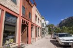 Bear Creek Loft B - Incredible Main Street location