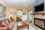 Livery 2B - Cozy living room with gas fireplace, flat screen TV