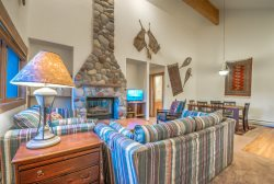 Pet Friendly Townhome With Private Hot Tub