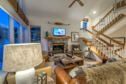 Great Townhome Close  To Skiing