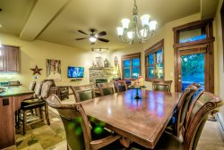 Family Friendly Luxury Townhome Close to the Slopes