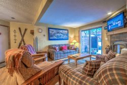 Beautiful Ski Condo With Great Amenities and Location