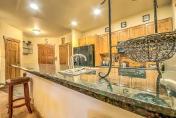 Luxury Champagne Lodge with Amazing Amenities!