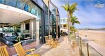 Front Patio with Lounge Area Overlooking Boardwalk and Bay. Mission Bay Rental