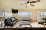 Newly remodeled Kitchen and Living Room. Mission Beach, San Diego, Beach House Rental