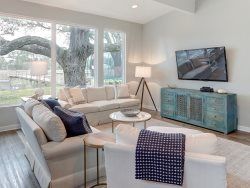 Heated Pool Access | 5*Clean | Flex Cancelation | Serenity by the seaside | Relax next to the beach in class and style | 4 Bedroom House with Carriage House