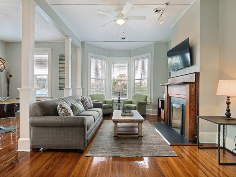 Stylish Apartment In The Heart Of Downtown Savannah