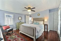 Heated Pool Access | 5*Clean | Flex Cancelation | Cute and Cozy Carriage House in the Historic District w/ Courtyard Walk everywhere in the Savannah Georgia Historic District