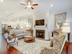Heated Pool Access | 5*Clean | Flex Cancelation | Beautiful Home in the Savannah Historic District