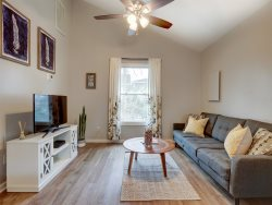 Heated Pool | 5*Clean | Flex Cancellation | Grocery Delivery | Delightful Carriage House Near Forsyth Park