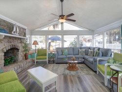 Heated Pool | 5*Clean | Flex Cancellation | Grocery Delivery | Cheerful Tybee Beach Cottage | Steps to the Beach!
