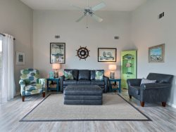 Heated Pool Access | 5*Clean | Flex Cancelation | New Home! Ocean view, awesome people watching, awesome beach access, close to it all. Quiet at night and fun in the day!