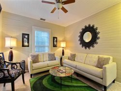 Heated Pool | 5*Clean | Flex Cancellation | Grocery Delivery | Sleeps 4, Cozy, Walk Everywhere, Great Courtyard & Porch