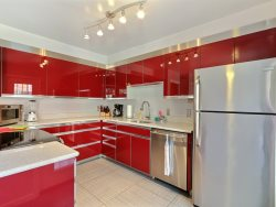 Heated Pool | 5*Clean | Flex Cancelation | Grocery Delivery |   BR, 2.5 Bath Gorgeous Home on Jones St