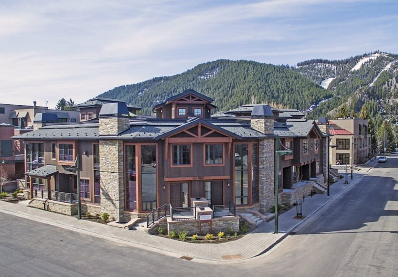 Lovely NEW Downtown Ketchum First Ave Luxury 4 BR /4.5 Bath Townhome With A/C, Hot  Tub Awesome Design