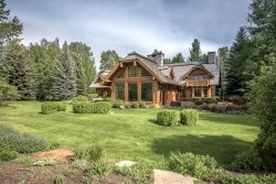Osprey 8 BR Big Wood River Estate on 85 acres