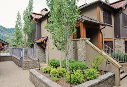 Ketchum Timbers 3/3 Townhome with Baldy Views, A/C and Access to Hot Tub