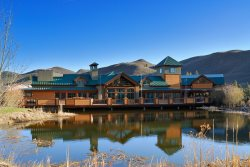 Elkhorn Inn- 5 BR Suite Inn with A/C, Hot Tub, Pool and Tennis Guest Access
