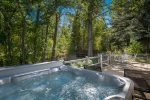 Private Hot Tub overlooking Trail Creek