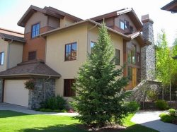 Luxury Elkhorn Springs 4 BR / 4.5 Bath Golf Lodge with Central A/C