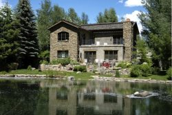 Waterfront Ketchum Luxury Vacation Home with A/C, Private Hot Tub and Unobstructed Baldy Views