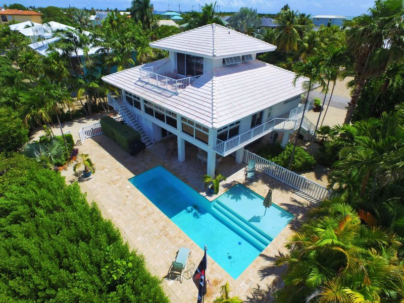 Swell Marathon Florida Keys Luxury Vacation Rental Pool Home Download Free Architecture Designs Sospemadebymaigaardcom