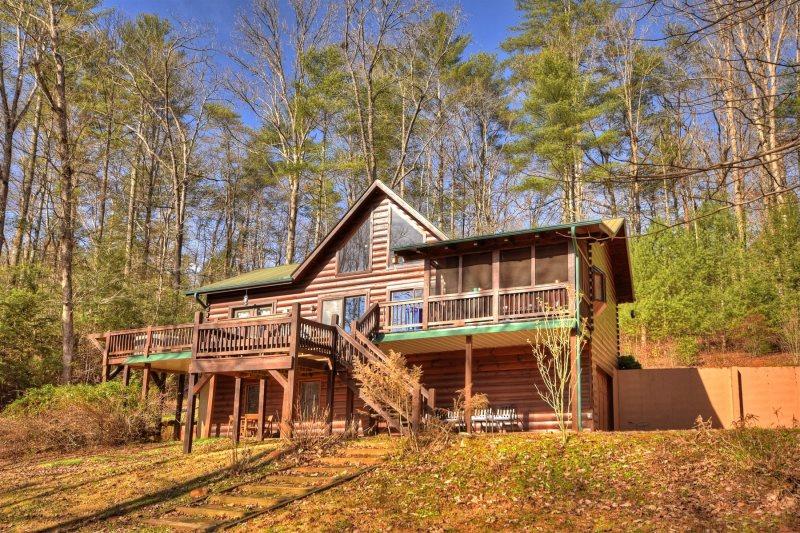Fox Hollow is a comfortable cabin near Blue Ridge, GA