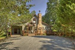 Snuggle Inn Cabin & Treehouse