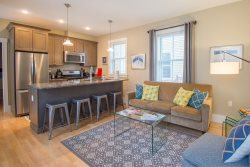 Urban Chic Furnished 2 Bed 2 Bath in the Heart of Portland's Historic West End
