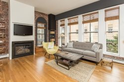 Fabulous Furnished 1 Bedroom 1 Bath Condo in the Heart of Downtown Portland